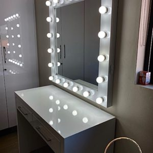 1000 X 1000 Framed gloss white Hollywood mirror (Mirror only)