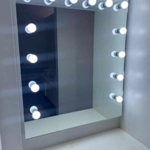 1000 X 800 FRAMELESS WALL MOUNTED HOLLYWOOD MIRROR